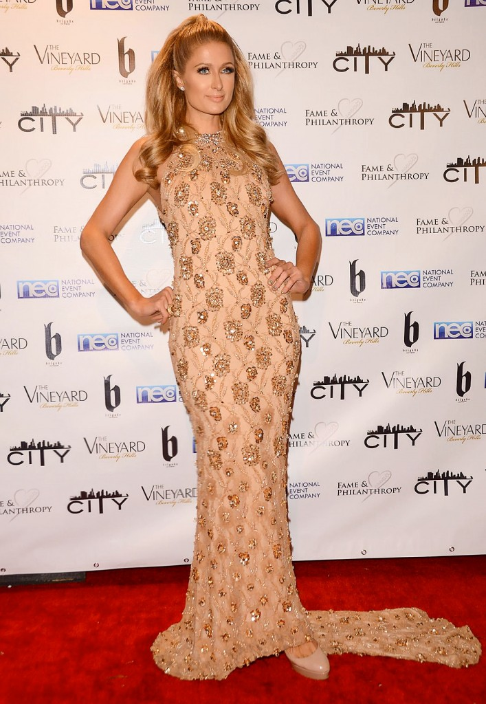 paris-hilton-at-fame-and-philanthropy-post-oscar-gala_1
